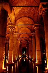 Cisterna Basilica (Versunkener Palast)