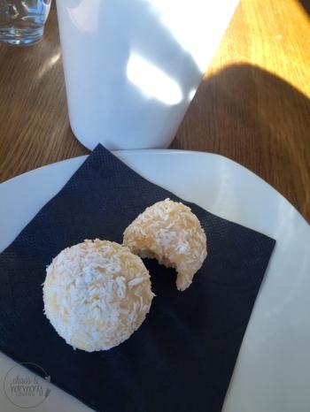 Raw Lime-Coconut Balls
