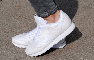 reebok-wmns-classic-leather-pearlized-4