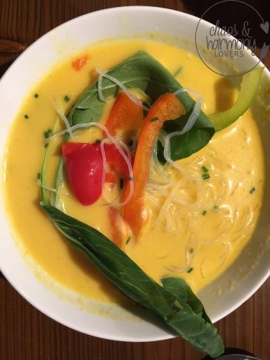 Asiatische Suppe mit Curry